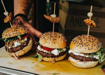 Ever wondered how much it costs to open a burger franchise in SA?