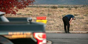 Alec Baldwin accidentally kills crew member after firing prop gun