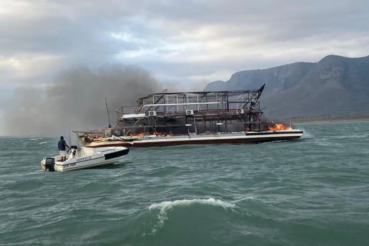 Fire on houseboat claims the lives of two at Jozini Dam